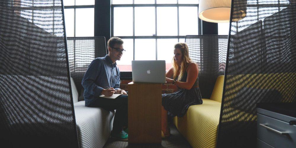saber cómo afrontar una entrevista es clave para alcanzar el éxito. Aquí te damos algunos de los aspectos que debes preparar mejor.